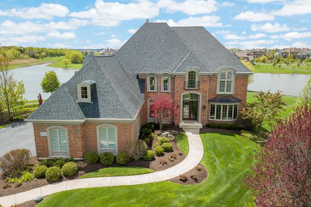 39W165 Longmeadow Lane, St. Charles, IL 60175 (MLS #10373322) :: Berkshire Hathaway HomeServices Snyder Real Estate