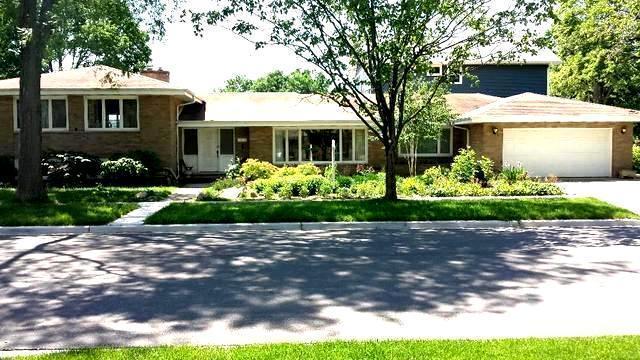8645 Parkview Avenue, Brookfield, IL 60513 (MLS #10397684) :: The Mattz Mega Group