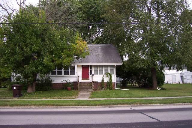 632 N Macon Street, BEMENT, IL 61813 (MLS #10524451) :: Lewke Partners