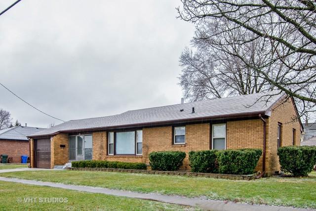 319 N Lord Avenue, Carpentersville, IL 60110 (MLS #09915905) :: Littlefield Group