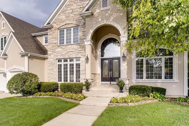 2S385 Canterbury Court, Glen Ellyn, IL 60137 (MLS #10513851) :: John Lyons Real Estate