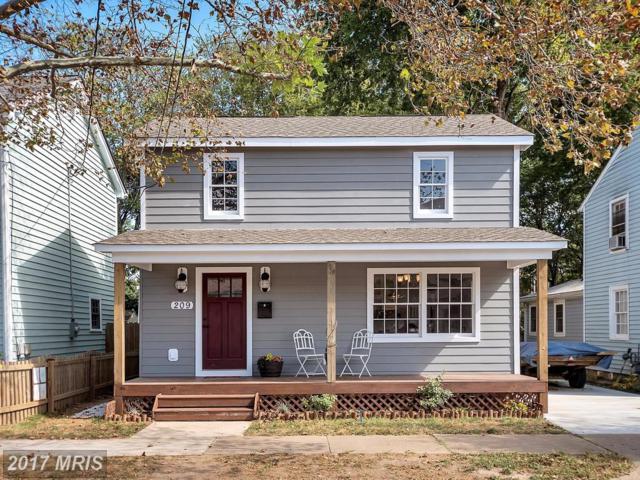 209 Prince Edward Street, Fredericksburg, VA 22401 (#FB10073638) :: LoCoMusings