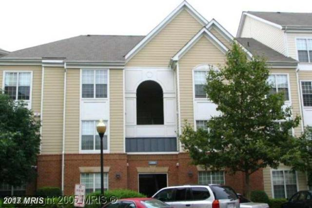 2101 Highcourt Lane #102, Herndon, VA 20170 (#FX10029453) :: LoCoMusings