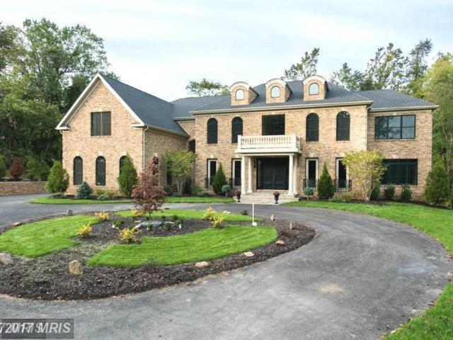 10414 Oaklyn Drive, Potomac, MD 20854 (#MC9947971) :: LoCoMusings