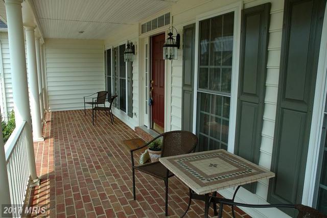 1910 Powells Landing Circle, Woodbridge, VA 22191 (#PW9956012) :: LoCoMusings