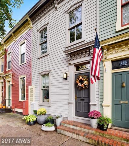 220 Fayette Street S, Alexandria, VA 22314 (#AX10101838) :: Pearson Smith Realty