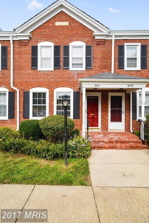 3041 Buchanan Street, Arlington, VA 22206 (#AR10057594) :: Pearson Smith Realty