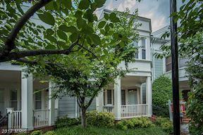 2044 Oakland Street, Arlington, VA 22207 (#AR10063033) :: Arlington Realty, Inc.