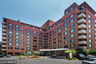 1121 Arlington Boulevard #626, Arlington, VA 22209 (#AR10105608) :: Provident Real Estate