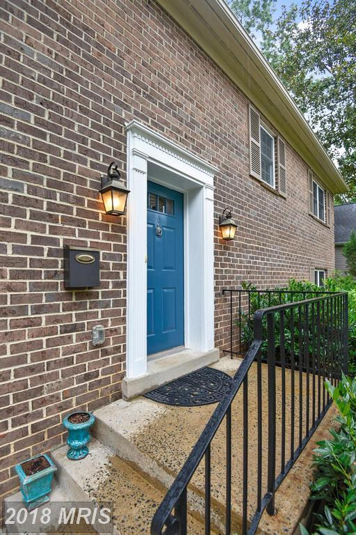 1515 Nicholas Street N, Arlington, VA 22205 (#AR10325207) :: Colgan Real Estate