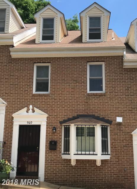 969 Buchanan Street S, Arlington, VA 22204 (#AR10352692) :: The Foster Group