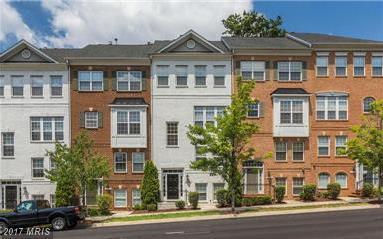 4085 Columbia Pike, Arlington, VA 22204 (#AR9983479) :: Pearson Smith Realty