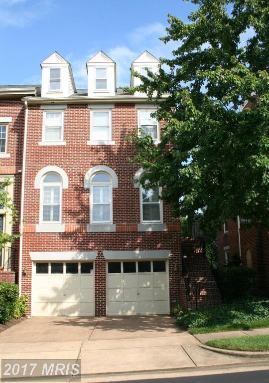 3901 Courtland Circle, Alexandria, VA 22305 (#AX10023712) :: Pearson Smith Realty