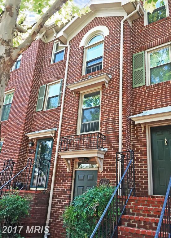 526 West Street N #526, Alexandria, VA 22314 (#AX10049525) :: Pearson Smith Realty