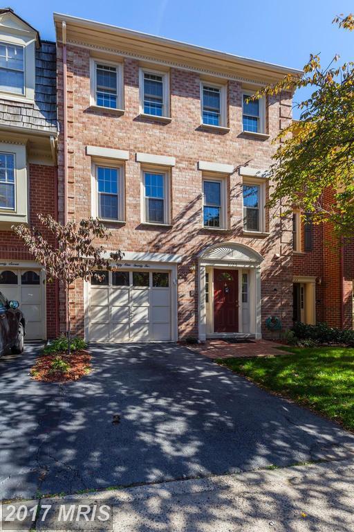 5125 Heritage Lane, Alexandria, VA 22311 (#AX10058675) :: Pearson Smith Realty