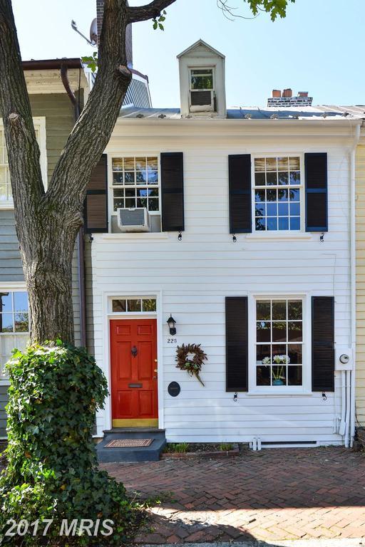 225 Lee Street S, Alexandria, VA 22314 (#AX10074865) :: LoCoMusings