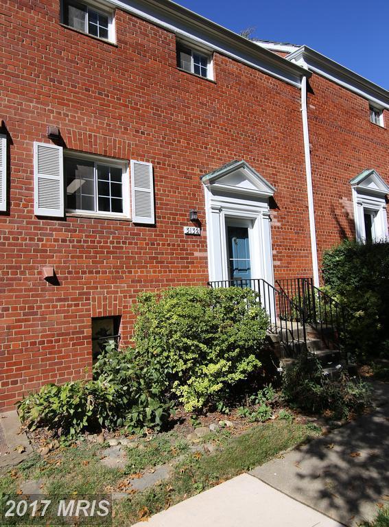 3132 Wellington Road, Alexandria, VA 22302 (#AX10107825) :: Blackwell Real Estate