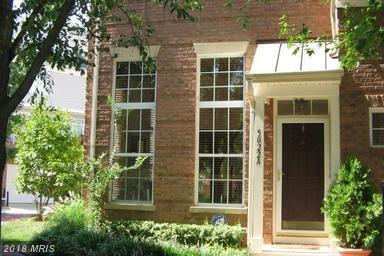 5022-A Barbour Drive #213, Alexandria, VA 22304 (#AX10297674) :: Charis Realty Group