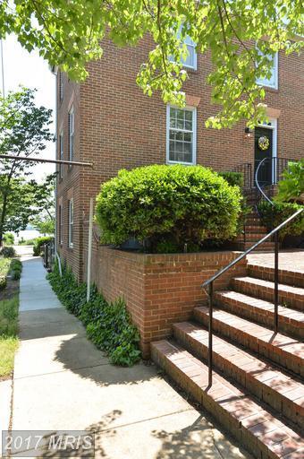 106 Gibbon Street, Alexandria, VA 22314 (#AX9896528) :: LoCoMusings