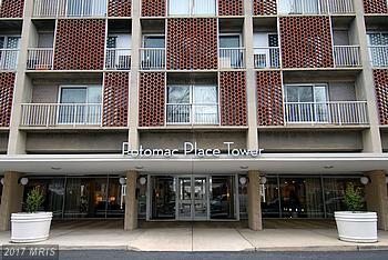 800 4TH Street SW N815, Washington, DC 20024 (#DC10009324) :: Arlington Realty, Inc.