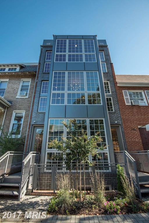 1143 5TH Street NE #1, Washington, DC 20002 (#DC10091184) :: Pearson Smith Realty
