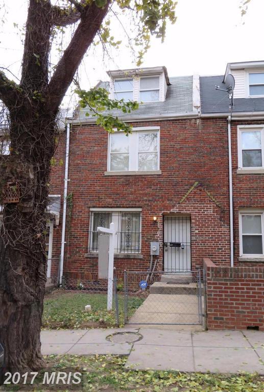 1014 17TH Place NE, Washington, DC 20002 (#DC10109187) :: The Maryland Group of Long & Foster