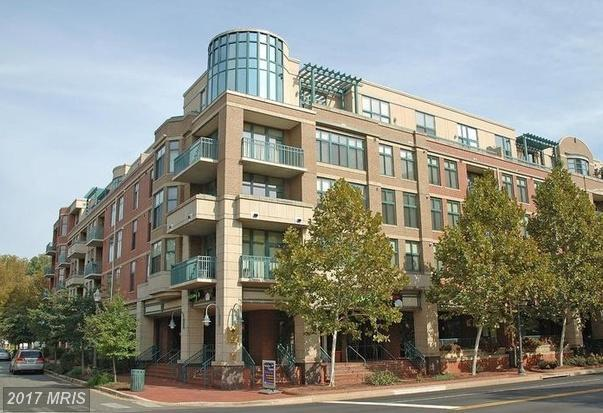502 Broad Street W #402, Falls Church, VA 22046 (#FA9986596) :: The Cruz Group