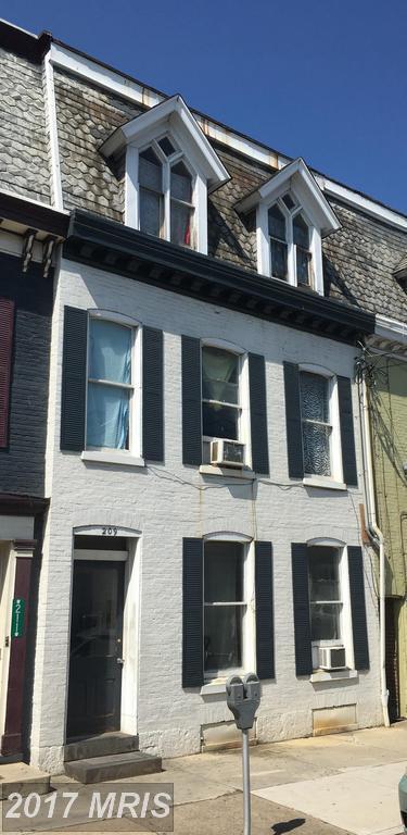209 Main Street S, Chambersburg, PA 17201 (#FL10054123) :: Pearson Smith Realty