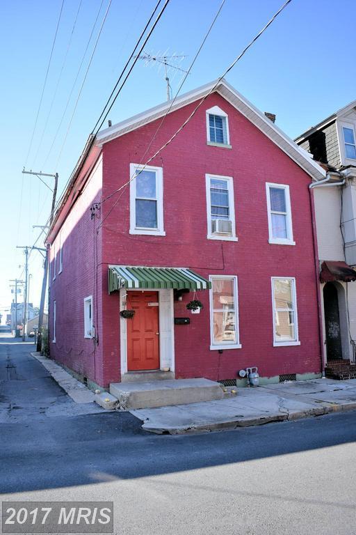 240 King Street E, Chambersburg, PA 17201 (#FL10084297) :: LoCoMusings