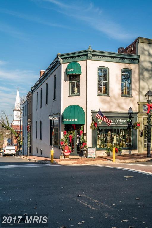 7 Main Street, Warrenton, VA 20186 (#FQ10114436) :: Jacobs & Co. Real Estate