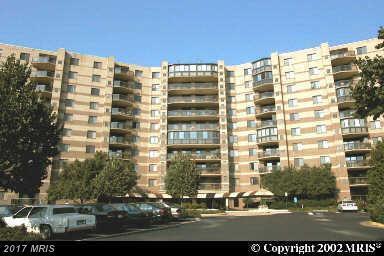 8350 Greensboro Drive #403, Mclean, VA 22102 (#FX10007422) :: Browning Homes Group