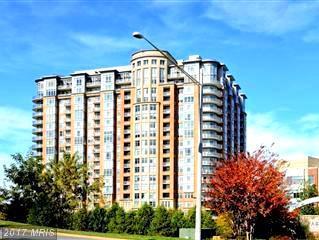 8220 Crestwood Heights Drive #404, Mclean, VA 22102 (#FX10020524) :: LoCoMusings