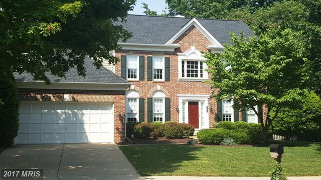 8305 Greentree Manor Lane, Fairfax Station, VA 22039 (#FX10021094) :: Pearson Smith Realty