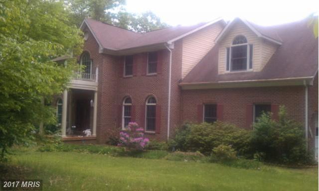 12031 Thomas Avenue, Great Falls, VA 22066 (#FX10021700) :: Dart Homes