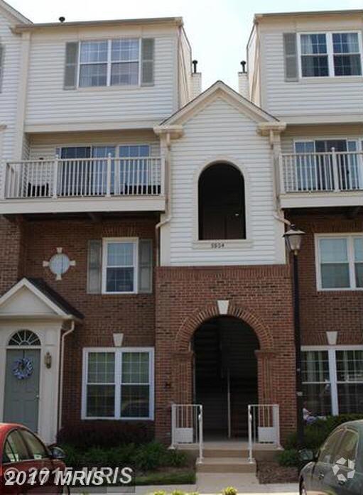 5804 Katelyn Mary Place #304, Alexandria, VA 22310 (#FX10061133) :: A-K Real Estate