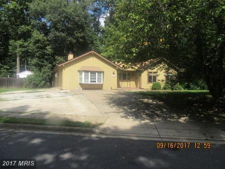 10402 Hollyoak Place, Fairfax, VA 22032 (#FX10079386) :: Pearson Smith Realty