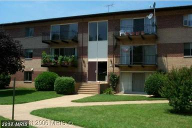 4102 Daniels Avenue #204, Annandale, VA 22003 (#FX10106911) :: Growing Home Real Estate