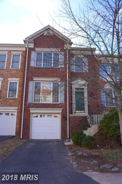 5129 Woodfield Drive, Centreville, VA 20120 (#FX10161028) :: The Vashist Group