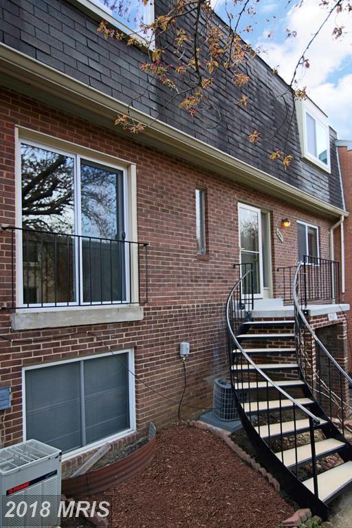 4661 Logsdon Drive #70, Annandale, VA 22003 (#FX10215058) :: Dart Homes