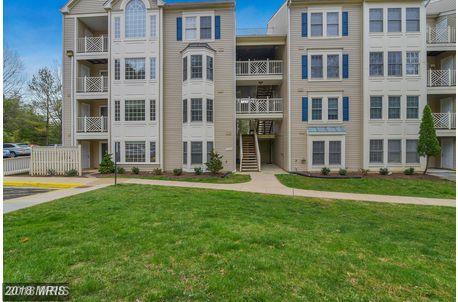 12225 Fairfield House Drive 108C, Fairfax, VA 22033 (#FX10241736) :: The Greg Wells Team