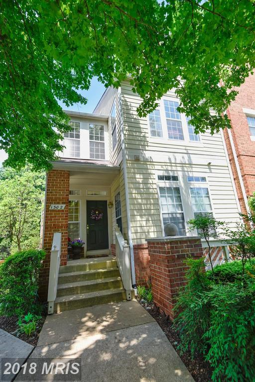 1302 Garden Wall Circle #103, Reston, VA 20194 (#FX10249709) :: Zadareky Group/Keller Williams Realty Metro Center