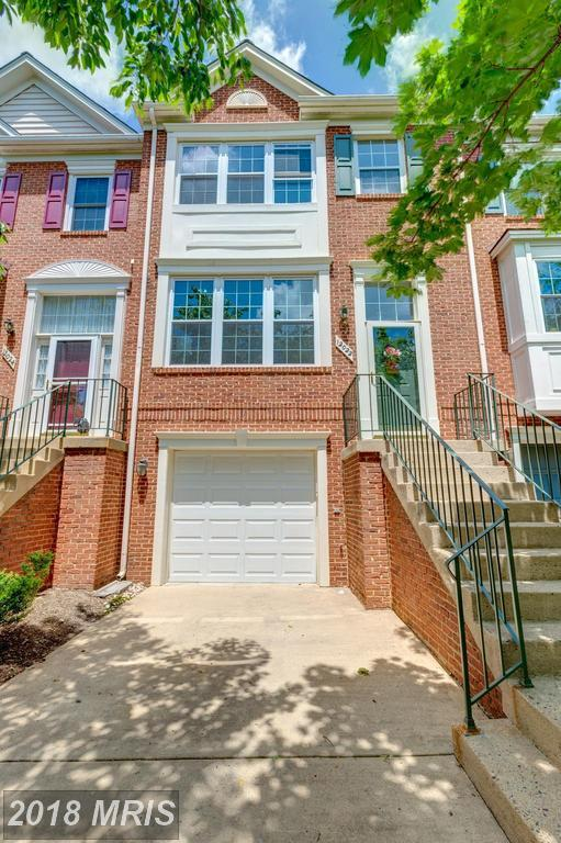 12022 Edgemere Circle, Reston, VA 20190 (#FX10250373) :: The Putnam Group