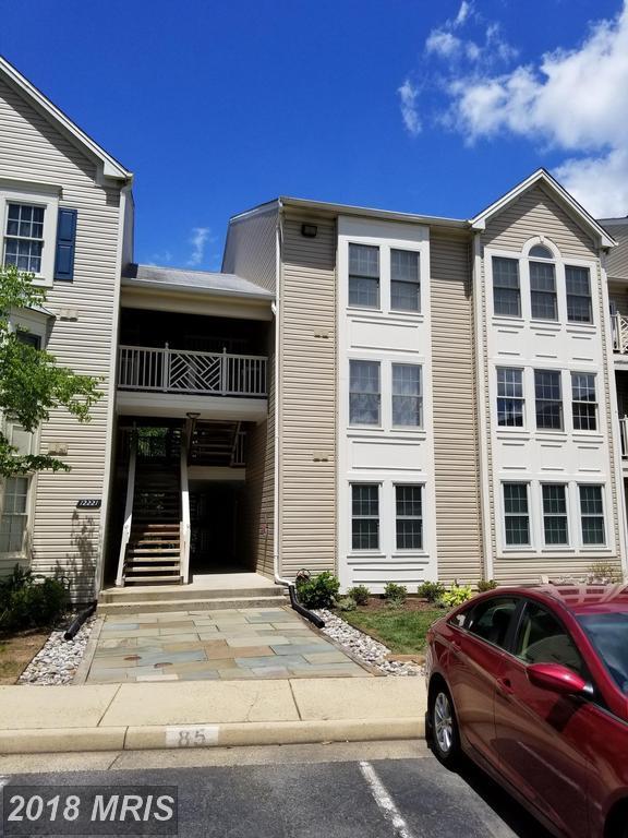 12221 Fairfield House Drive 104B, Fairfax, VA 22033 (#FX10299608) :: Keller Williams Pat Hiban Real Estate Group