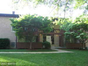 7857 Enola Street #106, Mclean, VA 22102 (#FX9856191) :: Pearson Smith Realty