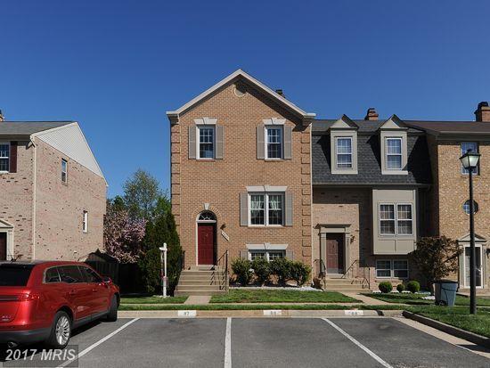 5425 Middlebourne Lane, Centreville, VA 20120 (#FX9887206) :: LoCoMusings