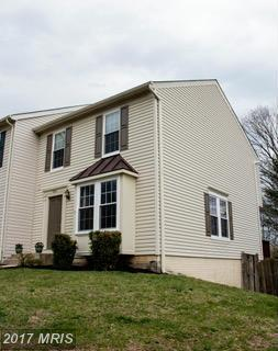 6313 Littlefield Court, Centreville, VA 20121 (#FX9896147) :: Robyn Burdett Real Estate Group