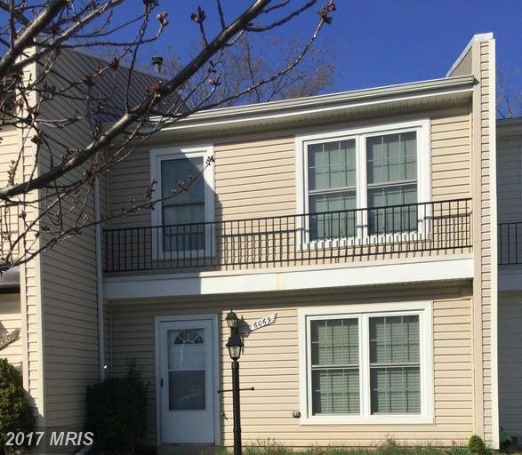 6069 Wycoff Square, Centreville, VA 20120 (#FX9905645) :: LoCoMusings