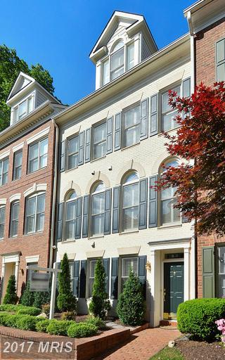 1630 Colonial Hills Drive, Mclean, VA 22102 (#FX9936951) :: Pearson Smith Realty