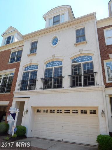 1606 Colonial Hills Drive, Mclean, VA 22102 (#FX9943375) :: LoCoMusings
