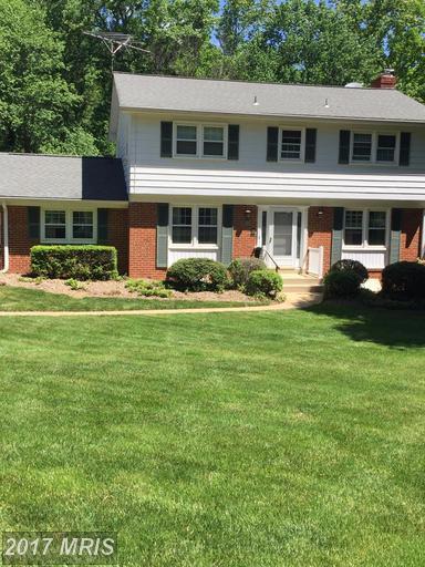 12105 Wayland Street, Oakton, VA 22124 (#FX9987684) :: Robyn Burdett Real Estate Group